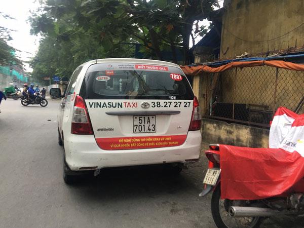 Từ vụ taxi Vinasun phản đối Uber, Grab: Cạnh tranh lành mạnh hay...