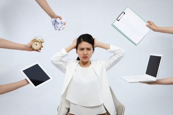 7 dau hieu chung to ca gia dinh ban dang stress qua muc - 2