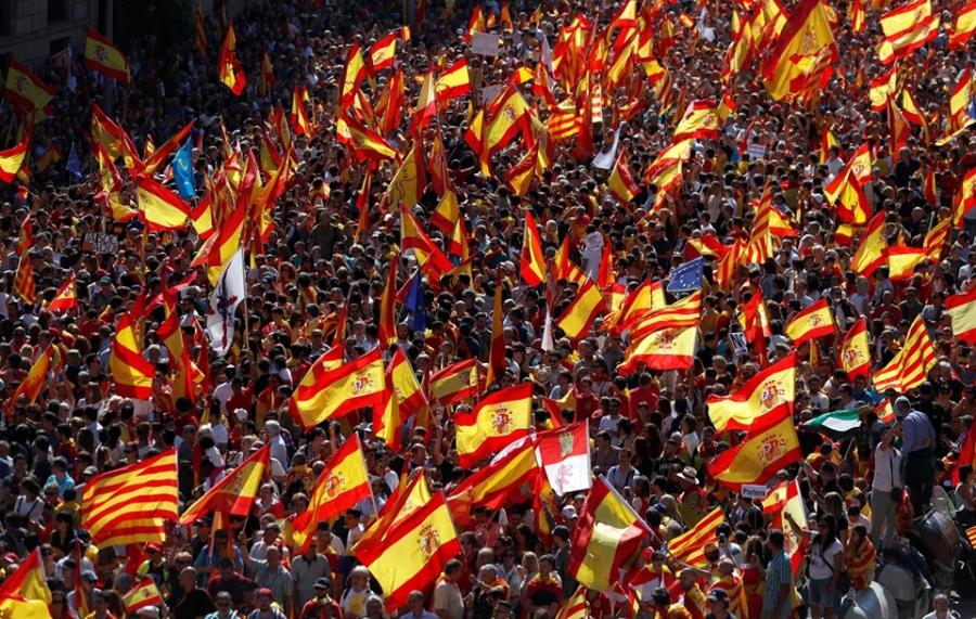 Bien nguoi Catalonia phan doi doc lap, the trung thanh voi Tay Ban Nha hinh anh 1