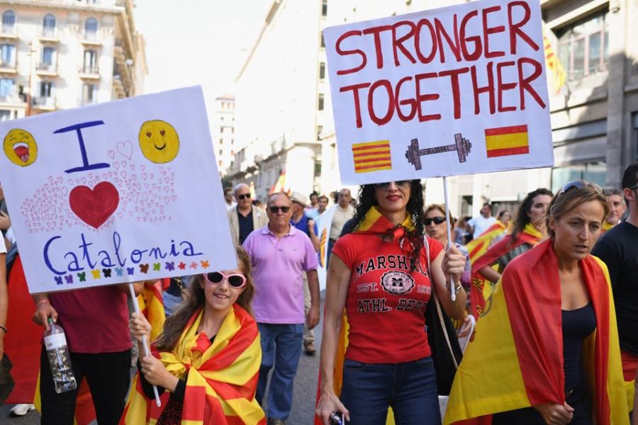 Bien nguoi Catalonia phan doi doc lap, the trung thanh voi Tay Ban Nha hinh anh 4
