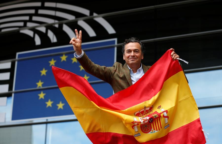 Bien nguoi Catalonia phan doi doc lap, the trung thanh voi Tay Ban Nha hinh anh 5