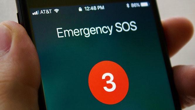 Emergency SOS sẽ hiển thị màn hình đếm ngược khi được kích hoạt