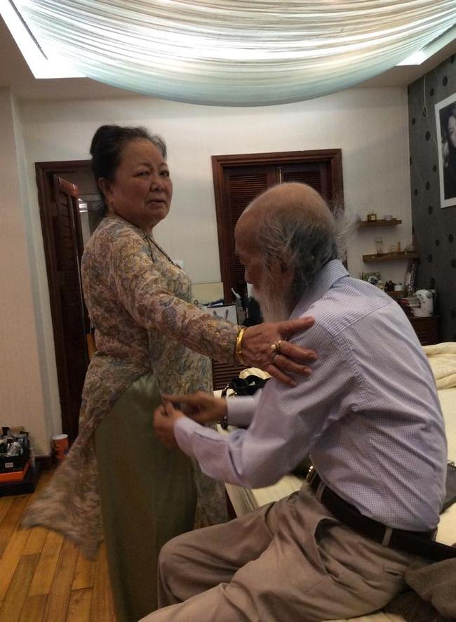Câu chuyện tình 56 năm của PGS Văn Như Cương và vợ: Mãi mãi là tình nhân, há sợ gì sự chia ly? - Ảnh 2.