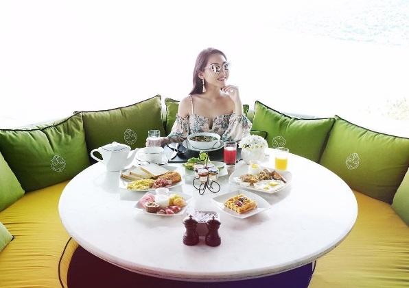 Cuộc sống sang chảnh của Chloe Nguyễn, nàng beauty blogger xinh xắn như búp bê - Ảnh 23.