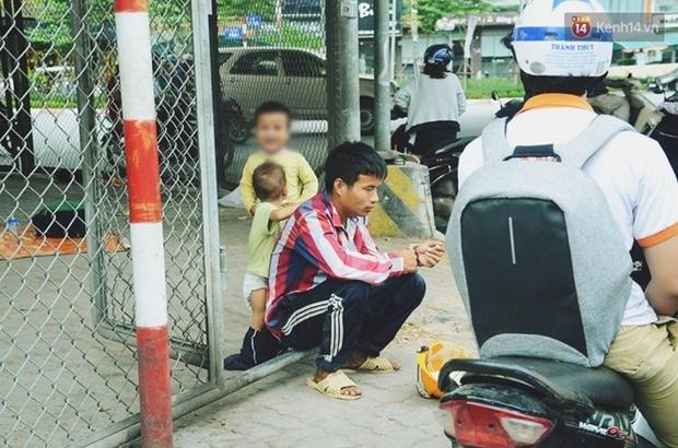 Gặp người bố đưa 2 con trai đi ăn xin ở Hà Nội vì bị vợ bỏ khiến nhiều người xót xa - Ảnh 5.