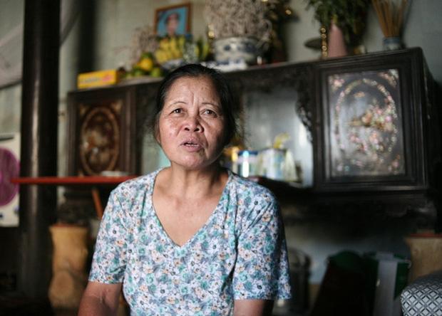 Mẹ bất ngờ bỏ con gái hơn 1 tuổi đi biền biệt, bảo mẫu trở thành mẹ nuôi cưu mang bé suốt 12 năm trời - Ảnh 3.