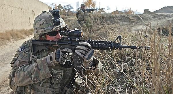 Ngan ngam M16, Luc quan My di tim sung truong tan cong moi-Hinh-6