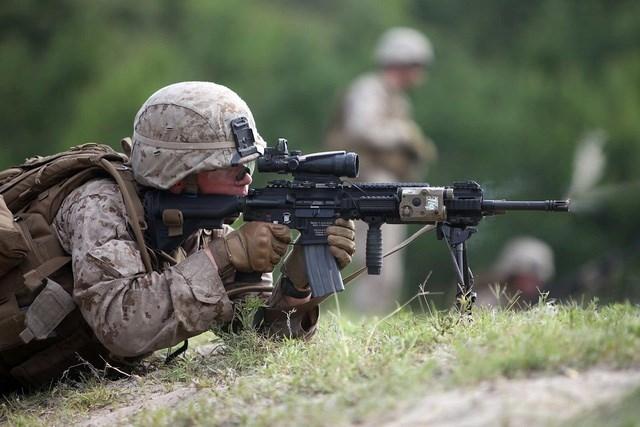 Ngan ngam M16, Luc quan My di tim sung truong tan cong moi-Hinh-7