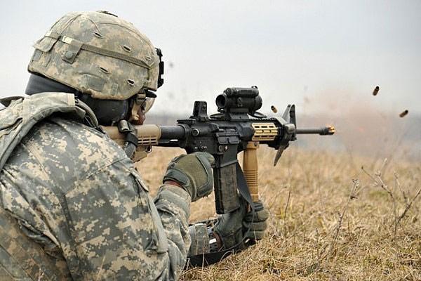 Ngan ngam M16, Luc quan My di tim sung truong tan cong moi-Hinh-8