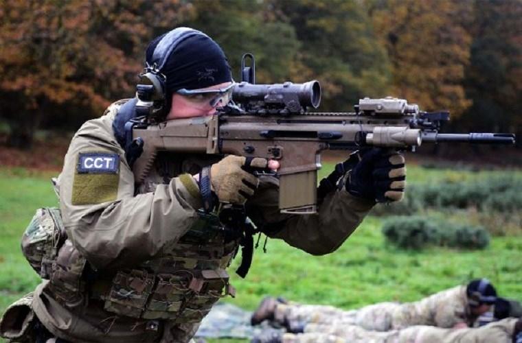 Ngan ngam M16, Luc quan My di tim sung truong tan cong moi-Hinh-11