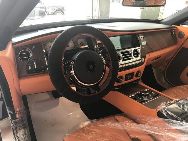 Rolls-Royce Dawn 25 tỷ Đồng bất ngờ xuất hiện tại Sài thành - Ảnh 18.