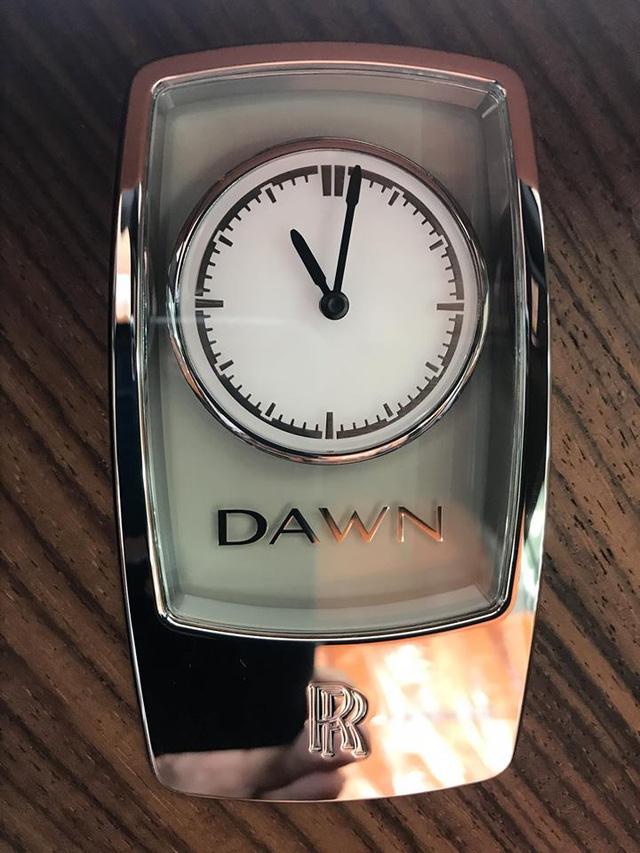 Rolls-Royce Dawn 25 tỷ Đồng bất ngờ xuất hiện tại Sài thành - Ảnh 20.
