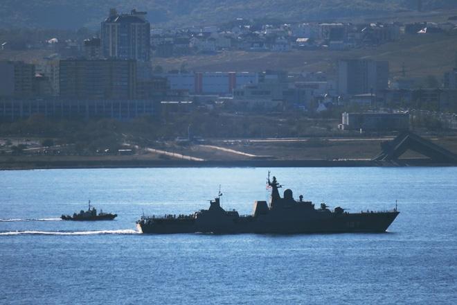 Tàu Gepard thứ 3 của HQVN vượt mũi Hảo Vọng, chiếc còn lại sẵn sàng lên đường - Ảnh 6.