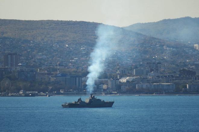 Tàu Gepard thứ 3 của HQVN vượt mũi Hảo Vọng, chiếc còn lại sẵn sàng lên đường - Ảnh 7.