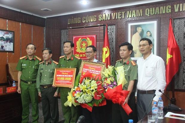 Triệt phá đường dây phạm tội kiểu mới tại Đà Nẵng: Ma túy trên xe, người trên máy bay - Ảnh 3.