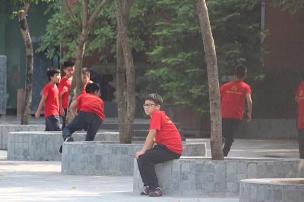 truong luong the vinh khong chao co dau tuan, hoc sinh soc khi biet thay cuong qua doi - 2