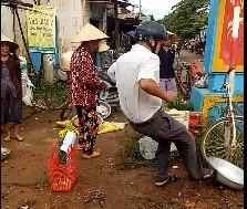 Vu truong cong an xa da vang thau ca: Nguoi dan khong nhan den bu hinh anh 1