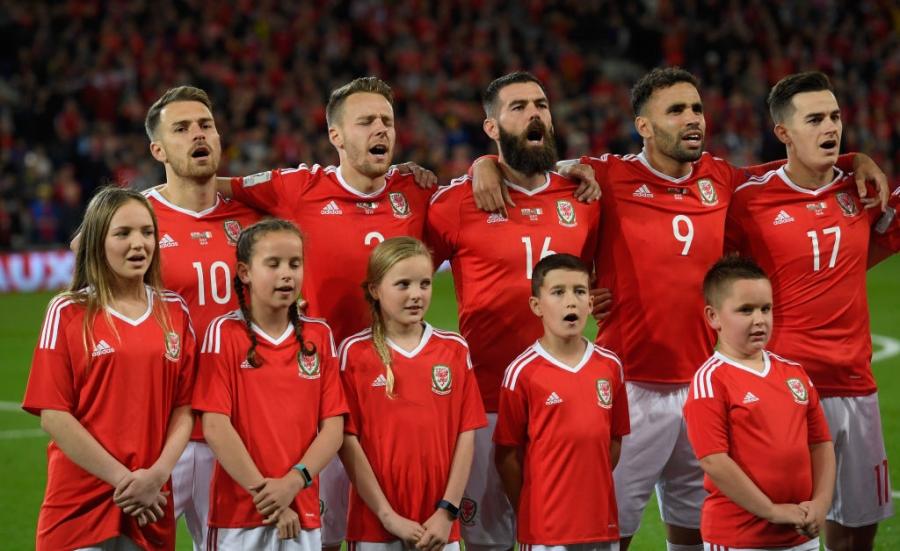 Gareth Bale va dong doi chinh thuc o nha xem World Cup hinh anh 3