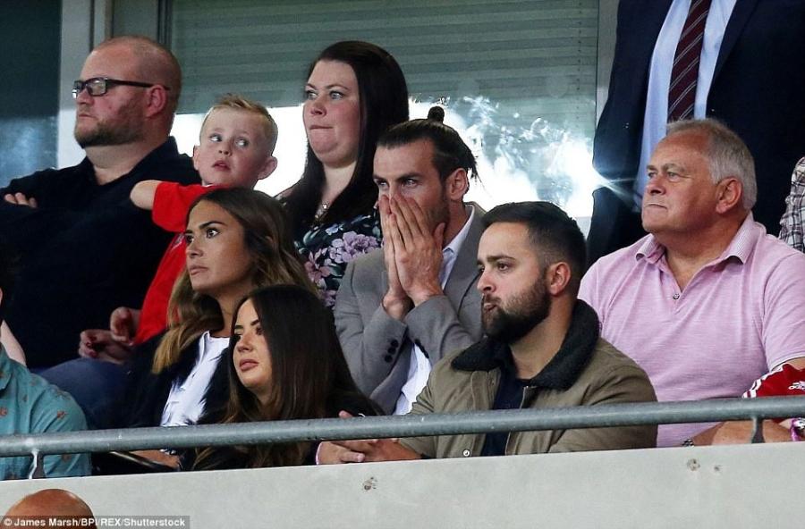 Gareth Bale va dong doi chinh thuc o nha xem World Cup hinh anh 9