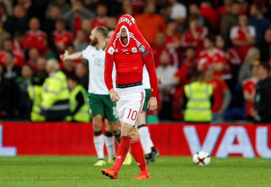 Gareth Bale va dong doi chinh thuc o nha xem World Cup hinh anh 13