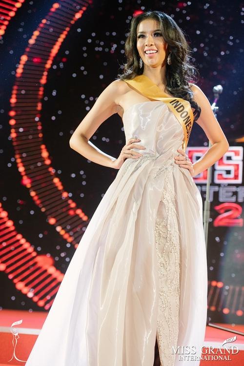 Huyền My trượt khỏi top 10 thí sinh được yêu thích nhất tại Miss Grand International 2017 - Ảnh 2.