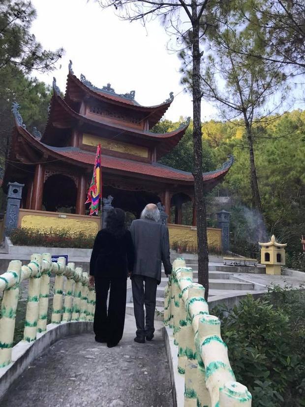 Khoảnh khắc bình dị của thầy Văn Như Cương qua những bức ảnh của cô giáo Văn Thùy Dương - Ảnh 5.