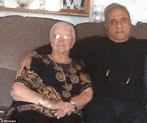 Lạc nhau 60 năm, cụ bà sung sướng khi biết em trai thất lạc là một trong những người giàu nhất thế giới - Ảnh 2.