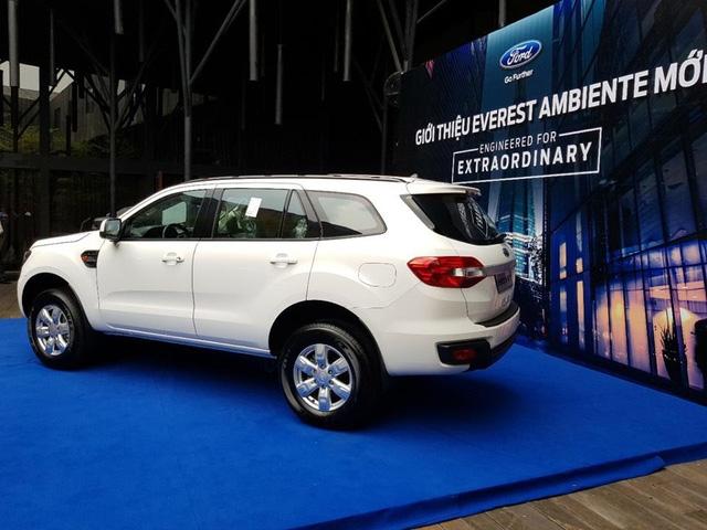 Lộ thêm ảnh và giá bán của Ford Everest mới tại Việt Nam - Ảnh 3.