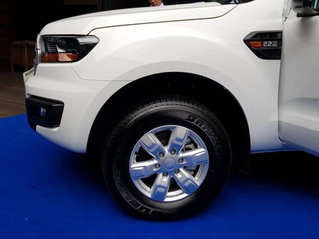 Lộ thêm ảnh và giá bán của Ford Everest mới tại Việt Nam - Ảnh 5.