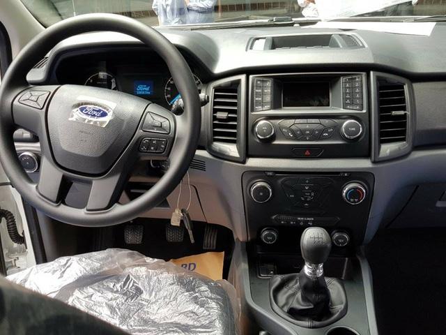 Lộ thêm ảnh và giá bán của Ford Everest mới tại Việt Nam - Ảnh 6.