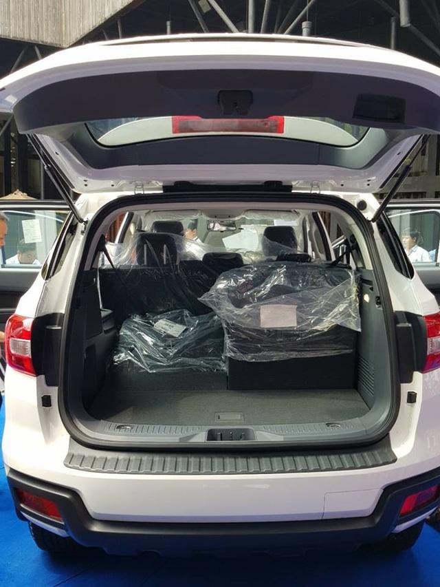 Lộ thêm ảnh và giá bán của Ford Everest mới tại Việt Nam - Ảnh 7.