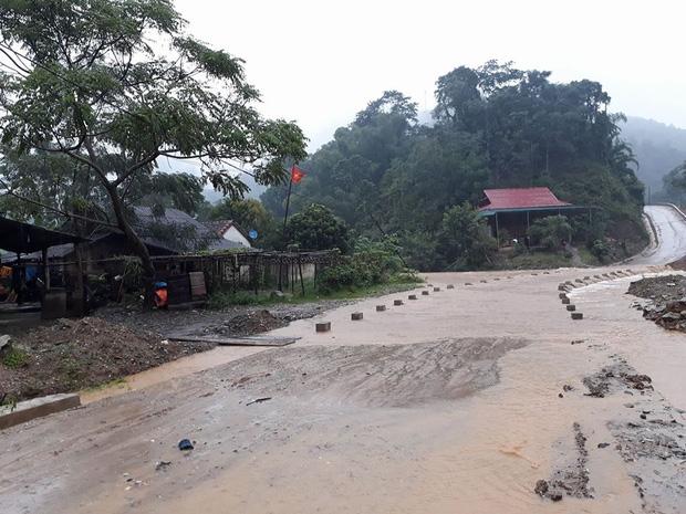 Nghệ An: Nước sông dâng cao, 2 người bị cuốn mất tích - Ảnh 1.