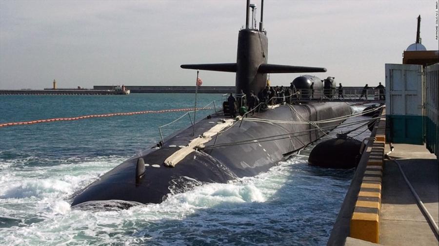 Tàu ngầm hạt nhân USS Michigan. Ảnh: CNN
