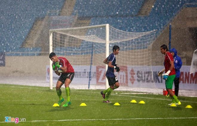 DTVN vs Campuchia (0-0, H1): CDV doi mua ung ho tuyen VN hinh anh 5
