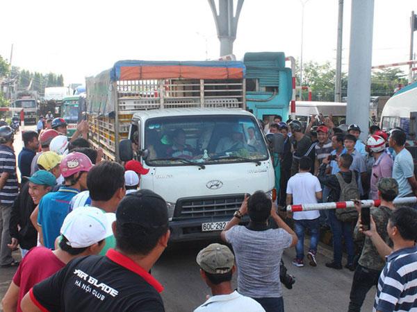 Dùng tiền lẻ mua vé qua trạm BOT Biên Hòa: Có thể khởi tố vụ án