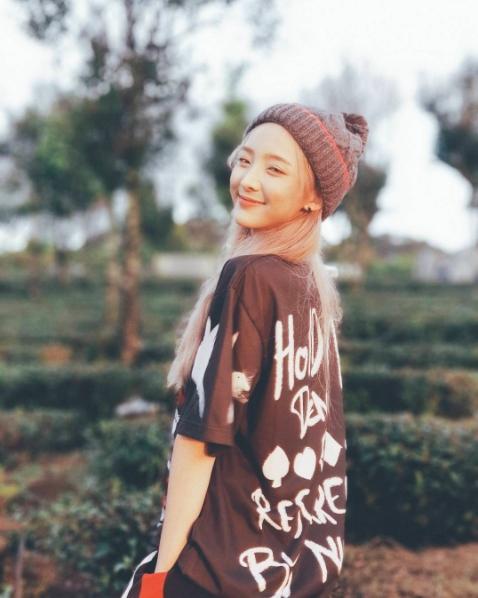 Hot girl Nene khoe ảnh check-in cực xinh khi sang Việt Nam đóng phim - Ảnh 1.