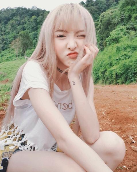 Hot girl Nene khoe ảnh check-in cực xinh khi sang Việt Nam đóng phim - Ảnh 4.