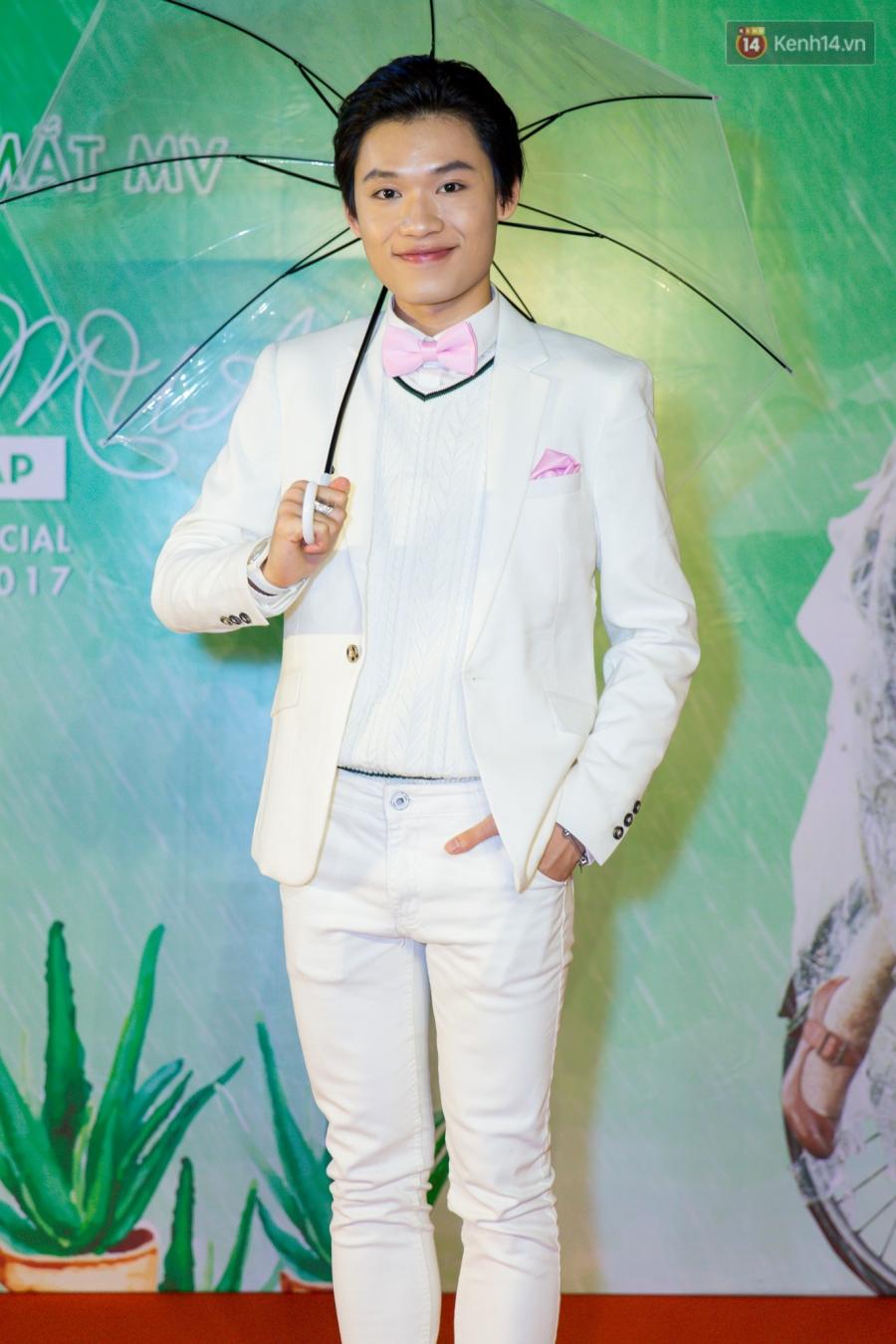 Huỳnh Lập vào vai Em gái... lầy, biến Em gái mưa sầu thảm thành một chuỗi hài kịch cười đau bụng - Ảnh 4.