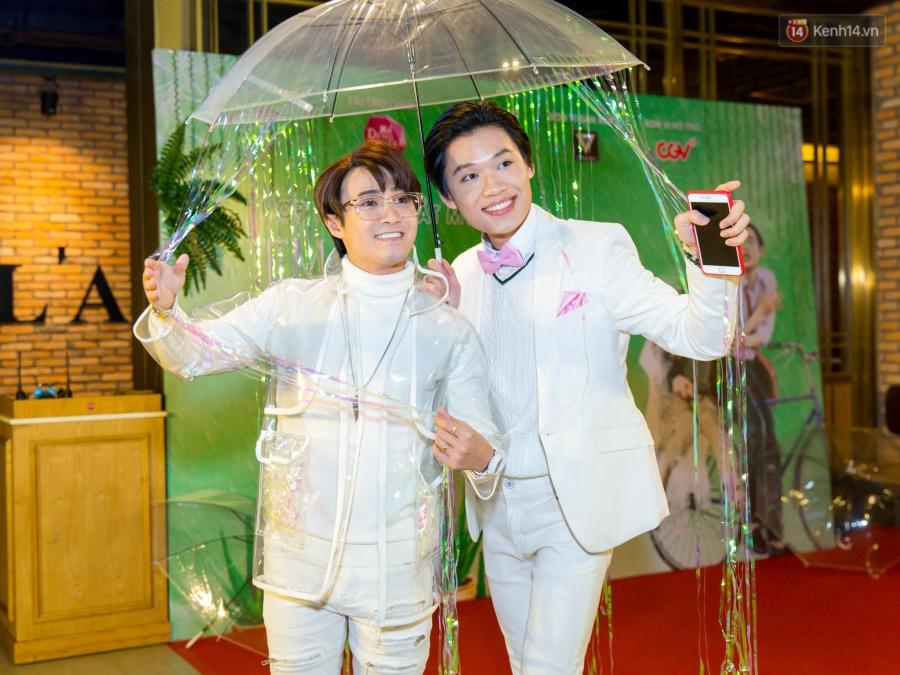 Huỳnh Lập vào vai Em gái... lầy, biến Em gái mưa sầu thảm thành một chuỗi hài kịch cười đau bụng - Ảnh 2.