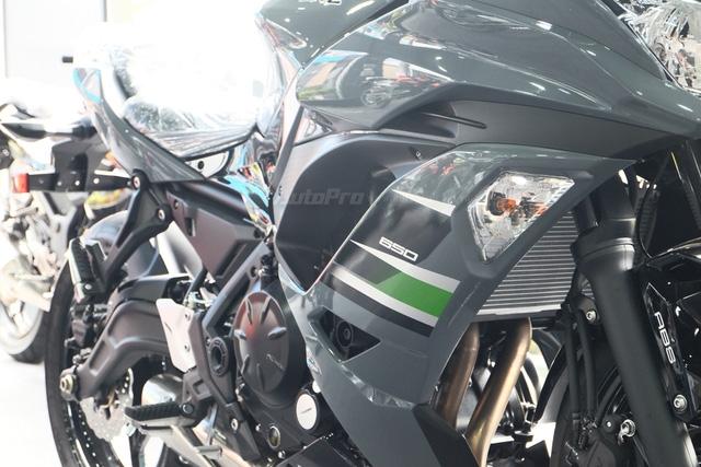 Kawasaki Ninja 650 2018 với màu sơn mới xuất hiện tại Việt Nam, giá bán 288 triệu Đồng - Ảnh 3.