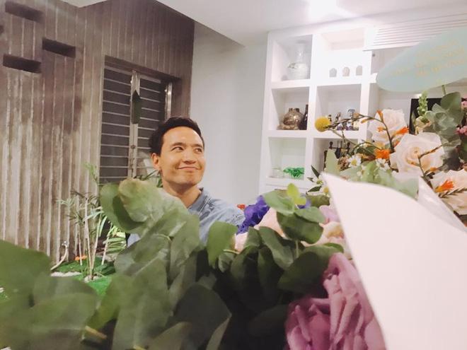 Kim Lý vui vẻ đi dự sinh nhật mẹ Hồ Ngọc Hà sau tin đồn chia tay - Ảnh 4.