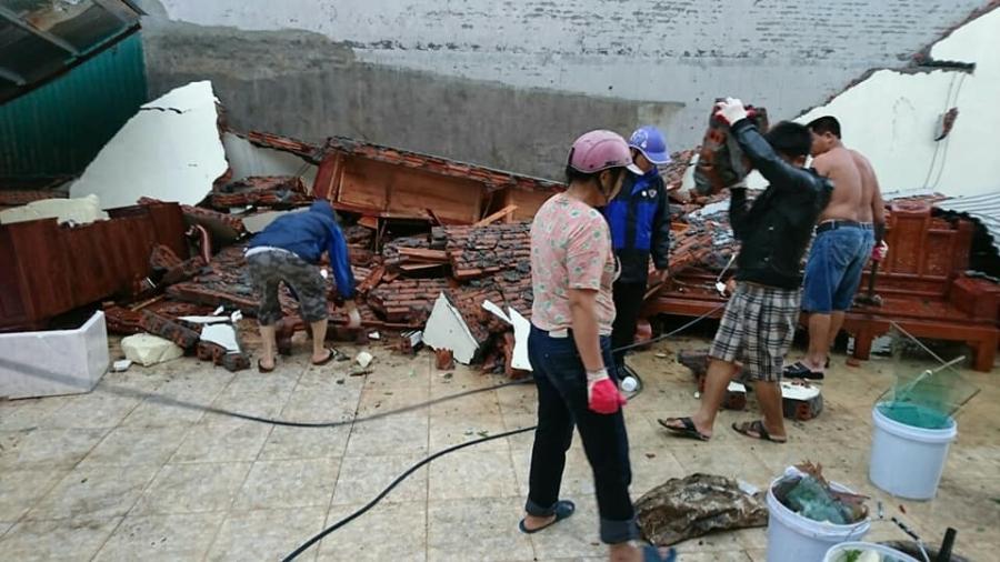 Lốc xoáy ở Thái Bình: 4 người bị thương, nhà đổ sập, tốc mái - Ảnh 5.