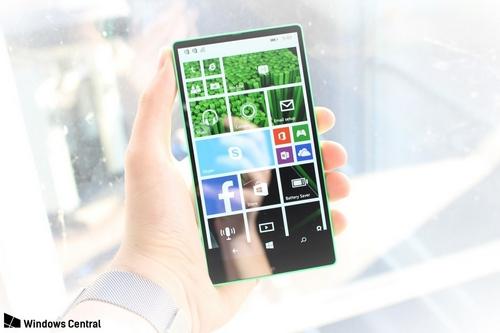 microsoft-suyt-ra-smartphone-lumia-khong-vien-nam-2014