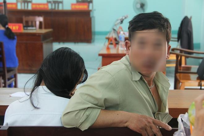 Nỗi ám ảnh của bé gái 16 tuổi có thai, em gái 13 tuổi bị bạn trai xâm hại trong đêm - Ảnh 7.