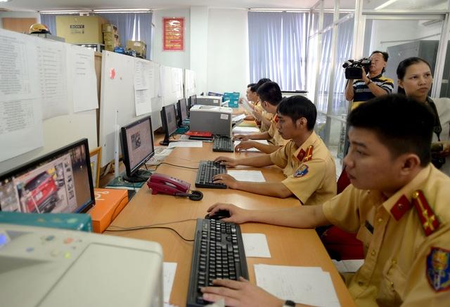 Phòng xử lý hình ảnh phạt nguội của PC67 Công an TPHCM