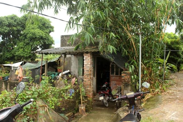 Ngôi nhà cấp bốn cháu Cảnh cùng gia đình sinh sống. Ảnh: Đ.Tùy
