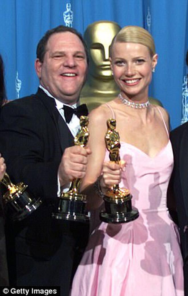 """""""Yêu râu xanh Hollywood"""" đi cai nghiện sex, bị vợ bỏ sau hàng loạt cáo buộc quấy rối tình dục - Ảnh 3."""
