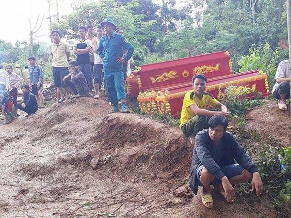Cận cảnh hiện trường vụ sạt lở đất làm 18 người bị vùi lấp