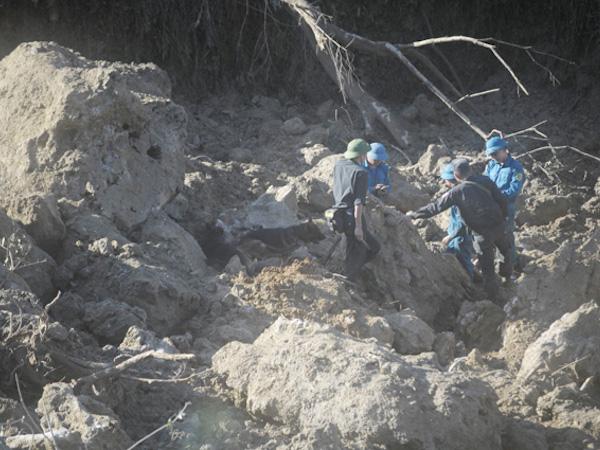 Hòa Bình: Dừng tìm 9 nạn nhân vụ lở đất do nguy cơ tiếp tục sạt lở