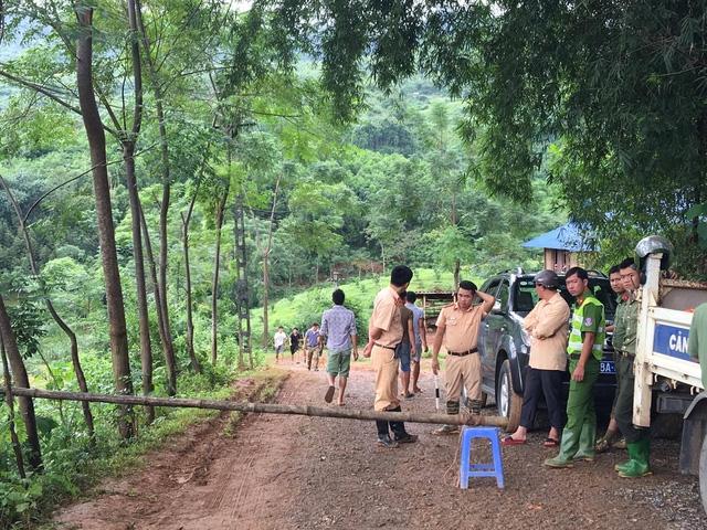 18 người bị vùi lấp trong mưa lũ tại Hòa Bình - Ảnh 4.